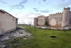 Urueña castle with pond Royalty Free Stock Images