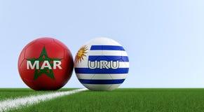 Uruguay contra Partido de fútbol de Marruecos - balones de fútbol en los colores nacionales de Uruguay y de Marruecos en un campo ilustración del vector