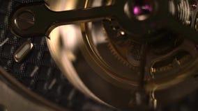 Urverkmekanism med juvlar stock video