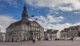 Urząd miasta na środkowym targowym kwadracie w Maastricht Zdjęcia Stock