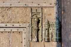 Urzędu Miasta kędziorek i drzwiowy ciągniemy wewnątrz Mons, Belgia Zdjęcia Royalty Free