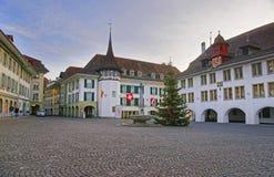 Urzędu Miasta kwadrat z choinką w Thun Starym mieście Obraz Royalty Free
