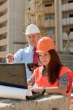 Urzędniczych pracowników pracy na placu budowy Obraz Stock