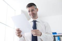 Urzędnik otrzymywa dymisja list Zdjęcie Stock