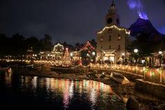 Urzędu miasta i góry Prometheus przy Tolyo Disney morzem Zdjęcie Royalty Free