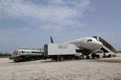 US Airways em Owen Roberts International Airport em Grande Caimão Fotos de Stock