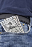 US-Dollar Anmerkungen in der vorderen Tasche Lizenzfreie Stockbilder