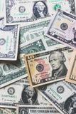 US-Dollar Banknotenhintergrund Lizenzfreie Stockfotos