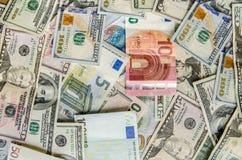 US-Dollar gegen Euro Lizenzfreie Stockbilder