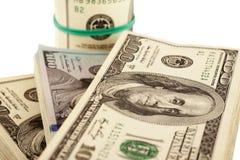 US dollar som isoleras på den vita closeupen Arkivbilder