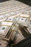 US-Dollars im Geldspeicher stockbild