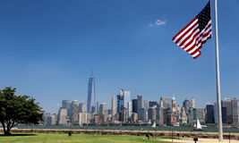 US flag and view of manhattan Royalty Free Stock Photography
