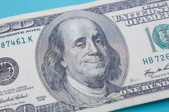 US hundert Dollarschein mit dem Lächeln und dem Blinzeln von Benjamin Frankli Lizenzfreie Stockfotografie