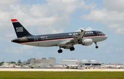 US-Luft-Passagierflugzeugflugzeug Stockfoto