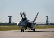 US-Marine F/A-18 jetfighter Landung Lizenzfreie Stockfotos