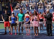 US Open 2017 champions Jamie Murray de doubles mélangés de GBR L, Martina Hingis ELLE et finalistes Michael Venus NZL, Hao-Ching  Image stock
