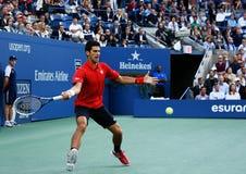 US Open 2013 finalist Novak Djokovic tijdens zijn definitieve gelijke tegen kampioen Rafael Nadal Royalty-vrije Stock Foto