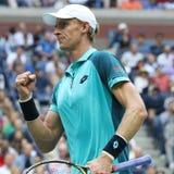 US Open 2017 finalista Kevin Andersen Południowa Afryka w akci podczas jego us open 2017 definitywnych dopasowań Zdjęcie Royalty Free