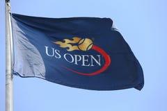US Open flaga przy Billie Cajgowego królewiątka tenisa Krajowym centrum podczas us open 2013 Obrazy Stock