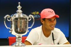 US Open 2017 kampioen Rafael Nadal van Spanje tijdens persconferentie na zijn definitieve gelijkeoverwinning tegen Kevin Andersen stock afbeelding