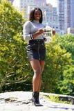 US Open 2017 kampioen Sloane Stephens van Verenigde Staten die met US Opentrofee stellen in Central Park Royalty-vrije Stock Afbeeldingen