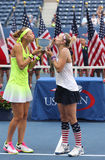 US Open 2016 kobiet kopii mistrzów Lucie Safarova republika czech i Bethanie piaski Stany Zjednoczone (L) Zdjęcie Royalty Free