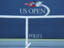 US Open logo przy Billie Cajgowego królewiątka tenisa Krajowym centrum w Nowy Jork Obrazy Royalty Free