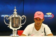 US Open 2017 mistrz Rafael Nadal Hiszpania podczas konferenci prasowej po jego definitywnego dopasowania zwycięstwa przeciw Kevin Zdjęcie Stock