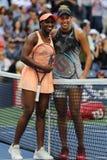 US Open 2017 mistrz Sloane Stephens L i Madison klucze przed us open 2017 kobiet ` s definitywnym dopasowaniem Zdjęcia Royalty Free