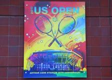 US Open 2017 plakat na pokazie przy Billie Cajgowego królewiątka tenisa Krajowym centrum w Nowy Jork Fotografia Stock