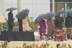 Us-president, tidigare US-presidenter, första fruar och andra på etapp under den storslagna öppningscermonin av William J Clinton Arkivbild