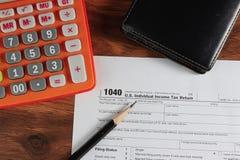 US-Steuerformular 1040 auf Tabelle Lizenzfreie Stockbilder