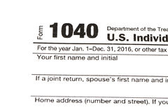 1040,1120,1065 US-Steuerformular/Besteuerungskonzept Stockfotos