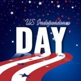 US-Unabhängigkeitstag Abstrakter amerikanischer Hintergrund mit wellenartig bewegender gestreifter Flagge und sternenklarem Muste Lizenzfreie Stockfotos