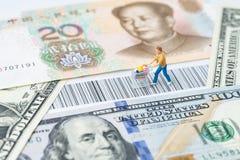 US und China-Handels-, -import- oder -exportkleinelektronischer geschäftsverkehr Einkaufsc stockfoto