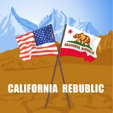 US und Kalifornien geben die Flaggen an, die auf Death Valley flattern Stockfotos