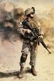 USA żołnierz piechoty morskiej w pustyni Obrazy Royalty Free