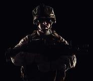 USA żołnierza piechoty morskiej konturu studio strzelał na czarnym tle Obraz Stock