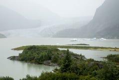 USA Alaska - Mendenhall glaciär och sjö Royaltyfria Bilder