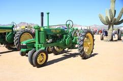 USA: Antik traktor - John Deere Model B (1937) Royaltyfri Bild