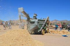 USA: Antika John Deere Combine Harvester royaltyfri foto