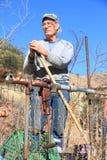 USA Arizona: En stående - pensionerad rörmokare arkivfoto