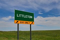 USA autostrady wyjścia znak dla Littleton Obrazy Stock
