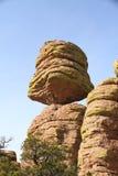 USA, AZ/Chiricahua góry: Duża Zrównoważona skała Obraz Royalty Free