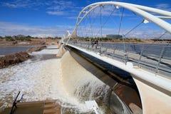 USA AZ/Tempe: Rubber fördämning efter störtregn Arkivbilder