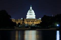 USA Capitol budynek przy nocą zdjęcie royalty free