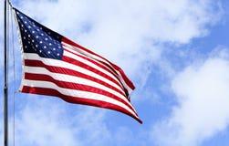 USA Chorągwiany Błękitny Chmurny niebo Obraz Royalty Free