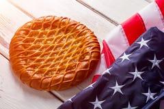 USA chorągwiany kłaść obok kulebiaka fotografia stock