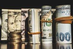 USA dolarów banknotów tekstura Tekstury USA dolary i Turecki pieniądze Tło różni dolarowi rachunki zdjęcia stock