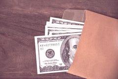 USA dolarów banknot w kopercie zdjęcia stock